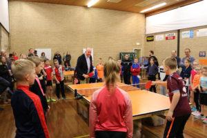Opening 50 jaar Kinder Tafeltennis bij Smash door wethouder Varekamp (gemeente Westland)