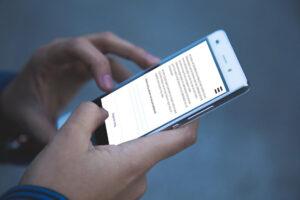 Mobiel in de hand