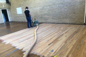 Renovatie vloer in zaal